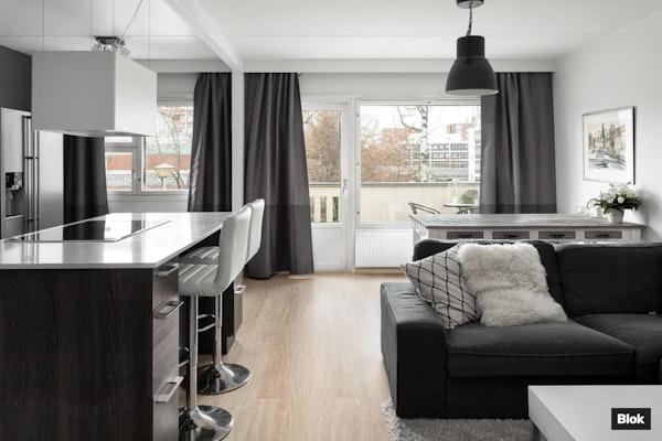 Erittäin tyylikäs koti kaksikerroksisesta rivitalosta - Kuunkierros 2 A2 A2