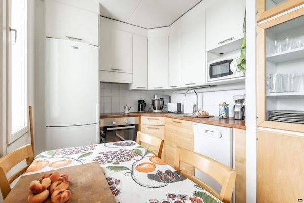 Ylimmän kerroksen tilava kaksio Länsimäessä - Suunnistajankuja 6  A 17