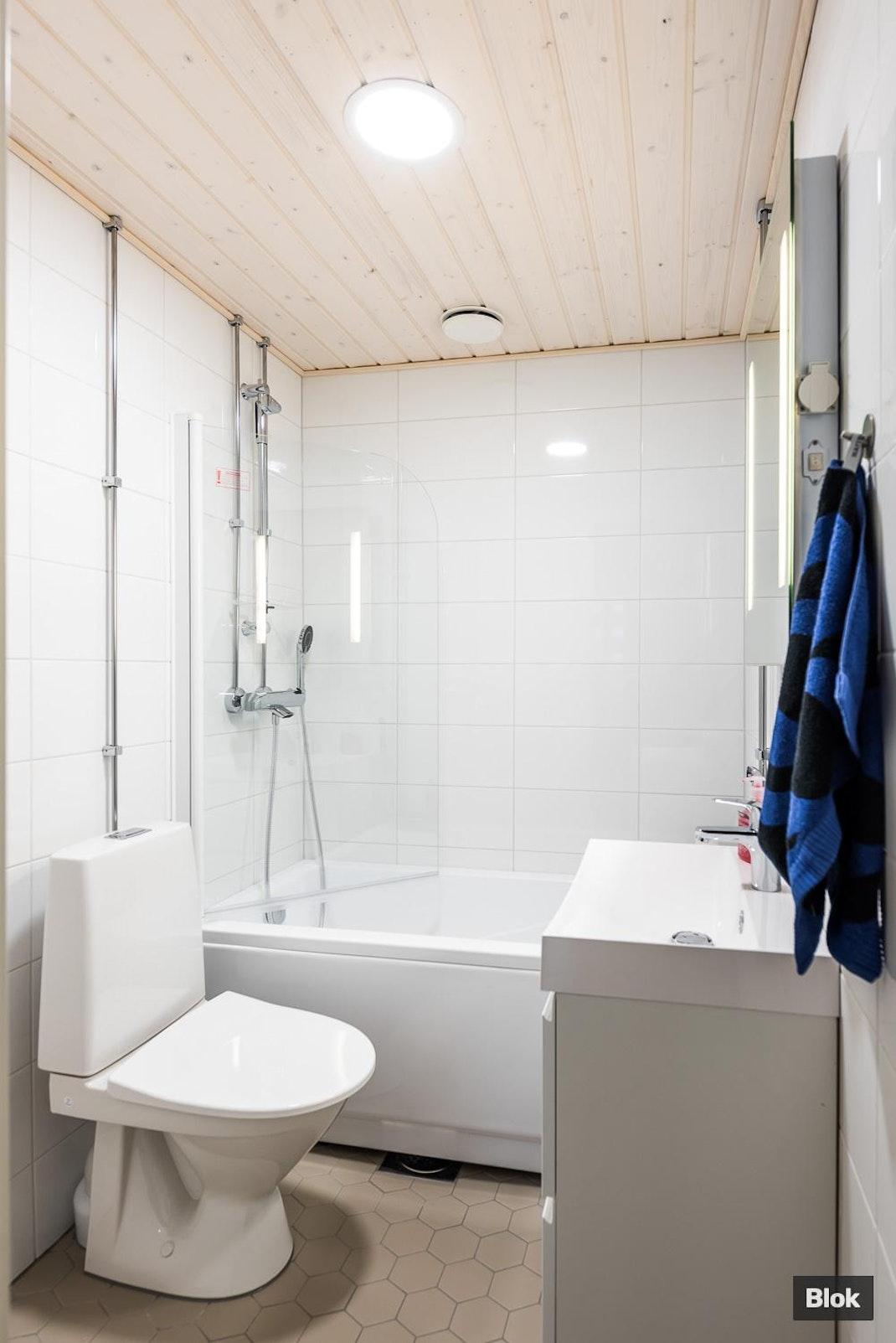 Kaislatie 8 G 15 Kylpyhuone