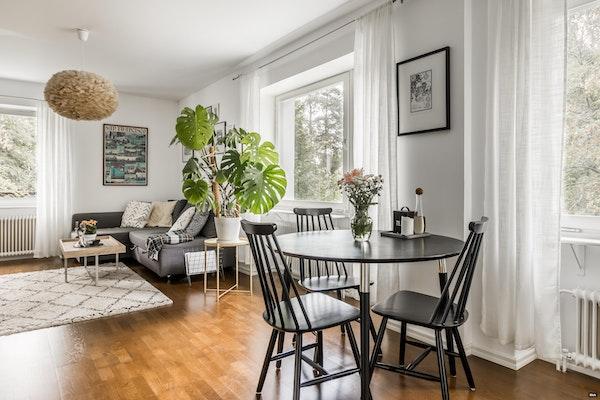 Loistavapohjainen kaksio hyvin pidetyssä 50-luvun talossa Tapiolassa - Poutapolku 3  A 19