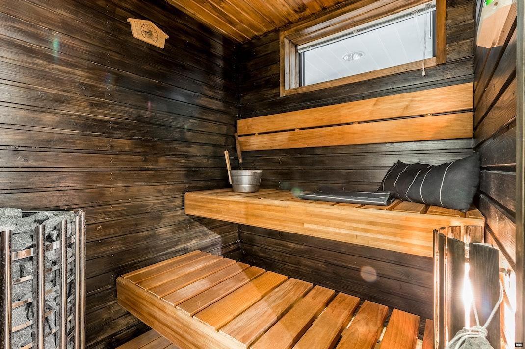 Laurinkatu 37-41 B 9 Kylpyhuone & Sauna