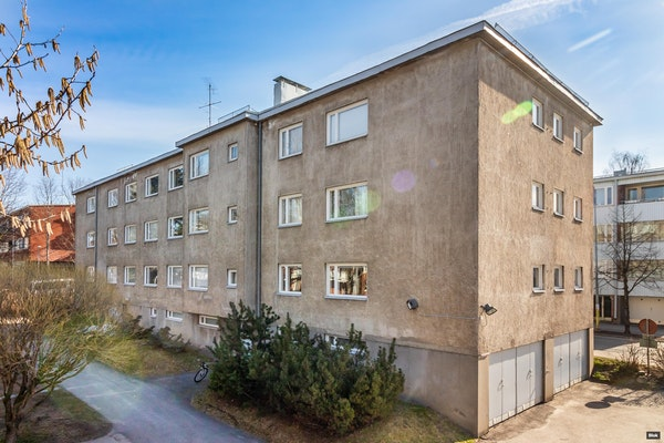 Upea vaalea kaksio tunnelmallisesta 50-luvun talosta Malmilla - Malminraitti 8-10 A 3