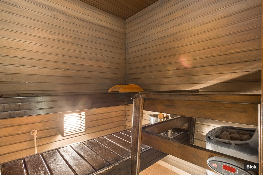 Kauriintie 1 E 10 Kylpyhuone