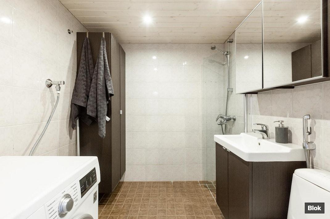 Leenankuja 3 A 20 Kylpyhuone