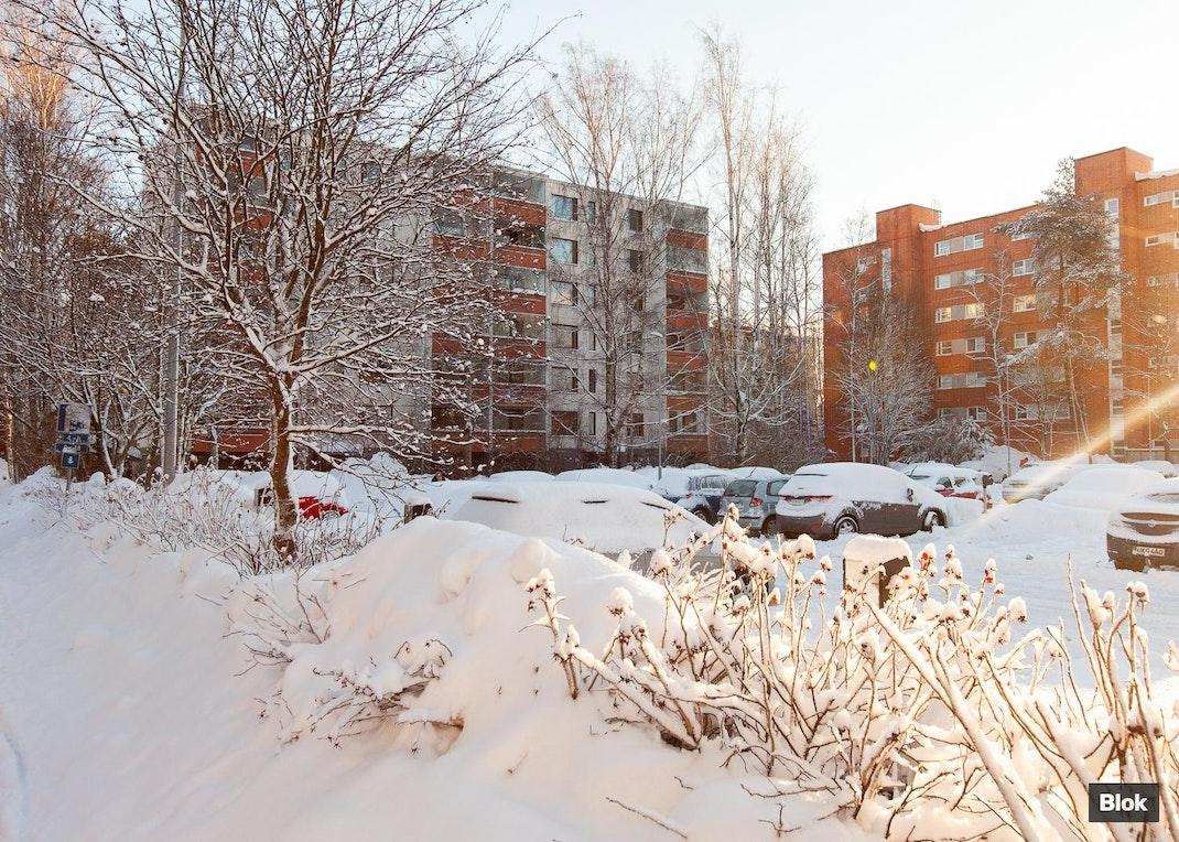 Leenankuja 3 A 20 Lasitettu parveke & Julkisivu